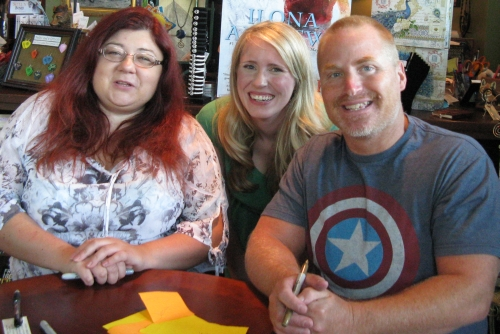 This is ME with Ilona and Gordon Andrews. Ilona and Gordon Andrews, my FAVORITE authors. Did I mention that this was my very first book signing? 'Cause it was. My very first book signing was with my FAVORITE authors. How cool is that?<------SO COOL.